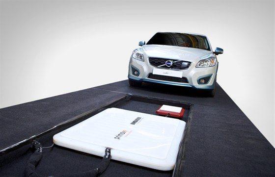 Volvo C30 mit kabelloser Aufladetechnik - Volvo arbeitet dran