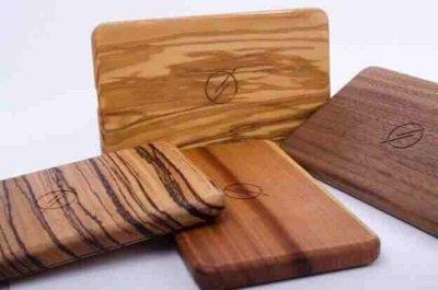 WAIQI Qi-Ladegerät aus Holz