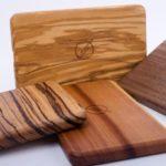 WAIQI: Kabelloses Ladegerät der Premium-Klasse aus Holz