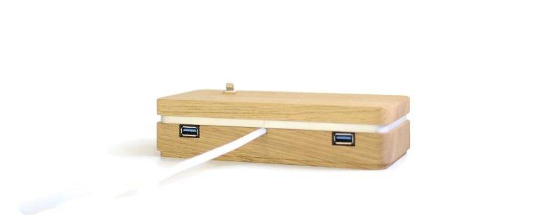 Kabelloses Ladegerät aus Holz