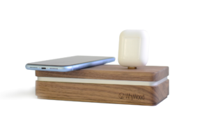 Kabellose Ladestation aus Holz von WhyWood